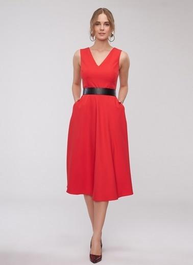 People By Fabrika V Yaka Elbise Kırmızı